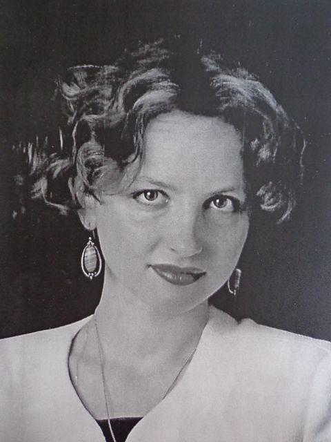 Alexa Verde Author Photo
